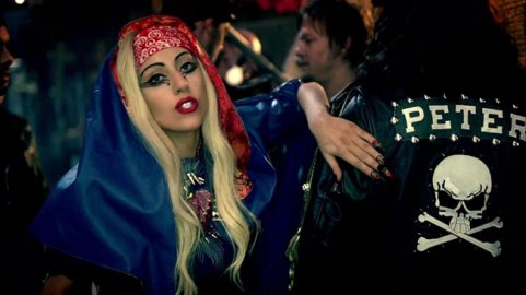 Lady-Gaga-Judas-Recap-peter