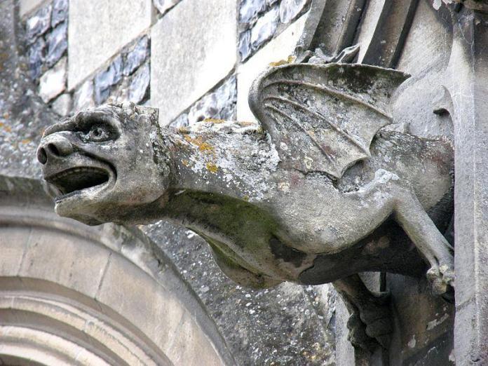 Chiesa-di-Saint-Martin-Saint-Valery-sur-Somme-France-via-Wikipedia-Commons