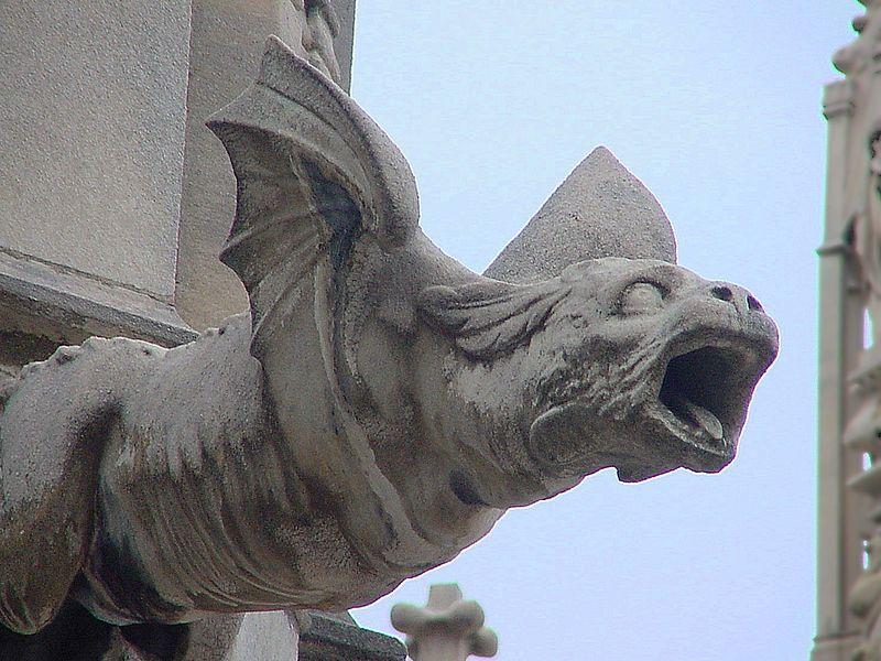 Gargolla-a-forma-di-drago-duomo-di-Milano-via-Wikipedia