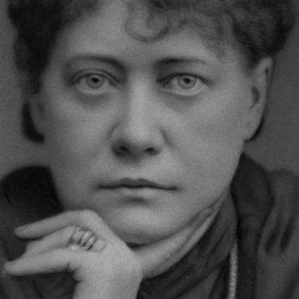 •-Madame-Blavatsky-nos-habla-de-la-posibilidad-de-levitar-423x423